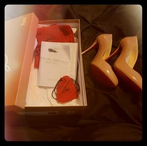 New in box never worn Nude Patent Louboutin